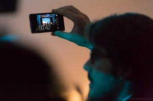 Concert-shooting-with-smartphone